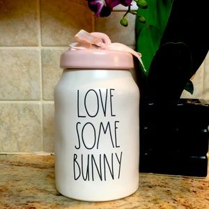 "🆕💕 RAE DUNN LL ""LOVE SOME BUNNY"" Canister."